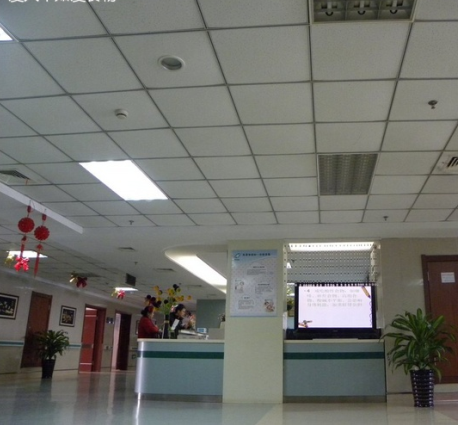 盛京医院PET-CT体检中心大厅