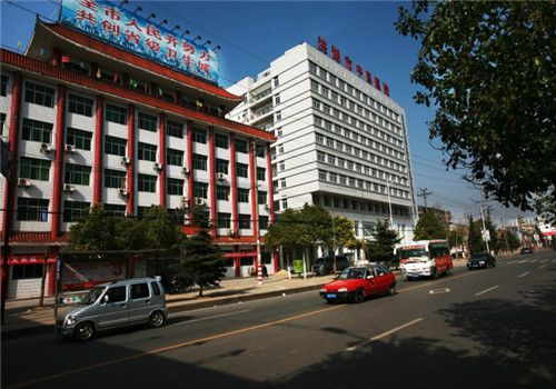 洪湖中医医院体检中心附近街道