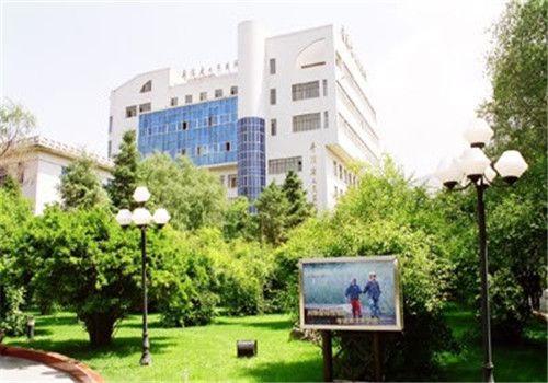 青海人民医院体检中心院内环境
