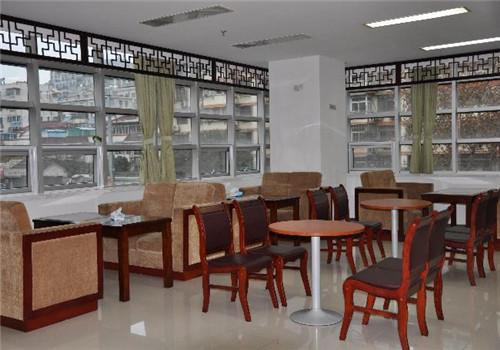 南京中医药大学附属医院体检中心就餐区