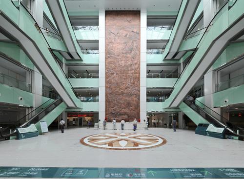南京八一医院体检中心大厅
