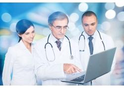 老人脑瘤CT能检查出来吗 老人脑瘤体检项目