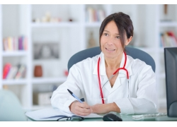 老人脑梗什么原因引起的 老人脑梗体检项目有哪些