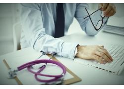 胃炎症状有哪些 如何预防胃炎的发生